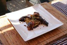 Una receta de restaurante de gran nivel: codornices en dos cocciones con salsa de chocolate