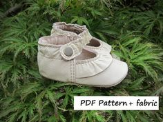 Baby Shoe Pattern Ruffled MaryJane DIY Kit PDF Sewing Pattern with tutorial and leather fabric cutouts. Sewing Leather, Leather Fabric, Leather Craft, Baby Shoes Pattern, Shoe Pattern, Baby Girl Shoes, Girls Shoes, Mary Janes, Baby Sewing Projects