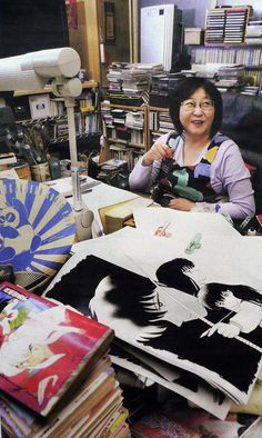 Rumiko Takahashi, Author/ Artist of Urusei Yatsura, Ranma InuYasha, and more. Manga Anime, Anime Art, Bd Comics, Anime Comics, Manga Artist, Comic Artist, Artist Workspace, Inuyasha Love, Miroku