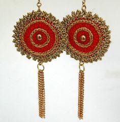 Red golden earrings Crochet earrings Textile by lindapaula, €11.00 Aretes, zarcillos, pendientes de ganchillo.