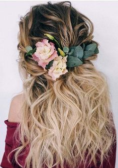 Browse here to see the ultimate inspirations of wedding and bridal hairstyles to sport in 2018. Women, who are looking for best long wedding hairstyles to wear on their big day, they are advised to see here for best ideas of wedding haircuts for 2018. Looking through this post, you may easily find best haircuts.