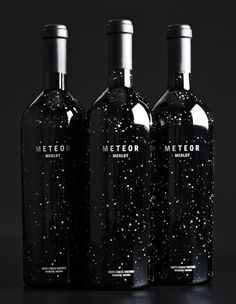 Meteor, el vino que vino de las estrellas o algo así. Espero que esté bueno. #winelabel #design