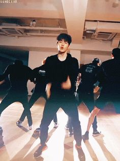 monster dance practice - leader suho part (6/6)