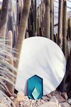 Elena Mora | Lys Vintage online shop #haytray #hay #setdesign