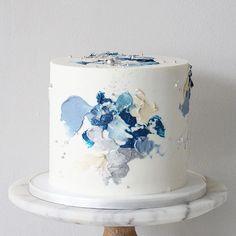 Rapunzel Birthday Cake, Blue Birthday Cakes, Pastel Cakes, Colorful Cakes, Blue Cakes, Cake Decorating Techniques, Cake Decorating Tips, Cake Design For Men, Buttercream Cake Designs
