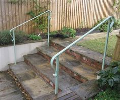 Primary outdoor 3 stair railing for your home Step Railing Outdoor, Porch Step Railing, Porch Handrails, Exterior Stair Railing, Garden Railings, Outdoor Stair Railing, Front Porch Railings, Staircase Handrail, Iron Stair Railing
