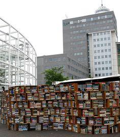 Outdoor bookshop in Leiden, Holland