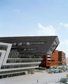 Glasfaserbeton-Elemente prägen neue Wirtschaftsuniversität Wien   Fotograf: Architekturfotograf Rasmus Norlander   Credit:Rieder   Mehr Informationen und Bilddownload in voller Auflösung: http://www.ots.at/presseaussendung/OBS_20131004_OBS0031
