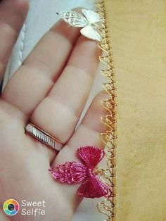 This post was discovered by Ay Thread Art, Needle And Thread, Needle Lace, Embroidery Hoop Art, Irish Crochet, Crochet Clothes, Needlework, Diy And Crafts, Weaving