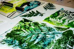 Monoprinting with ferns Fabric Painting, Back In The Day, Quilt Making, Ferns, Printing On Fabric, Prints, Green, Arrows, Kids