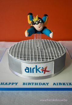 Sky Diving Birthday Cake Park Birthday, 14th Birthday, Birthday Cakes, Birthday Parties, Cake Topper Tutorial, Cake Toppers, Starbucks Birthday, Indoor Skydiving, Baking Utensils