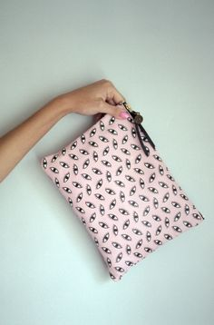 Falconwright PINK LEATHER EYEBALL CLUTCH