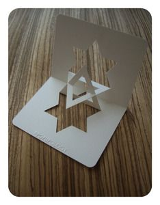 Pop-up Hannukah card Hanukkah Crafts, Jewish Crafts, Hanukkah Decorations, Christmas Hanukkah, Hannukah, Christmas Origami, Happy Hanukkah, Decor Inspiration, Card Making Inspiration