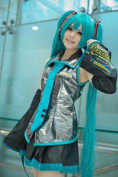 Miku Hatsune (Vocaloid) 初音ミク #cosplay