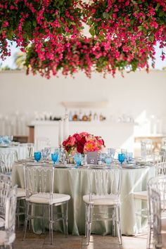 Bright & Sophisticated Reception Table | Photography: Michelle Mosqueda. Read More: https://www.insideweddings.com/inspiration/photo/39876/no-categorized/bougainvillea-obsession/#.VvA2kJIGbWY.pinterest