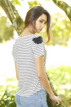 MAPLE / @ponteMAPLE °°°°°°°° CAMISETA RAYAS BLANCO Y NEGRO -- B&W tee !!!! T Shirts For Women, Tops, Fashion, Stripes, Black And White, T Shirts, Moda, Fashion Styles, Fashion Illustrations