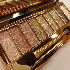 Maquiagem 9 Colors Eyeshadow Palette Diamond Bright Makeup Eye Shadow Flash Glitter Make up Set with Brush Naked Cosmetics 25615