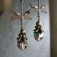 Dragonfly Earrings Blue Green Crystal Swarovski par DebraDane, $26,00