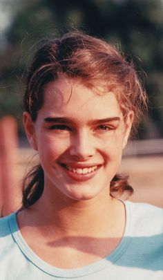 Brooke Shields, young and beautiful! Richard Avedon, Most Beautiful People, Beautiful Women, Brooke Shields Young, Jean Calvin Klein, Film Inspiration, Manhattan New York, Pretty Baby, Beautiful Actresses
