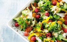 Sashimisalat: Salat med laks, hellefisk og krebs