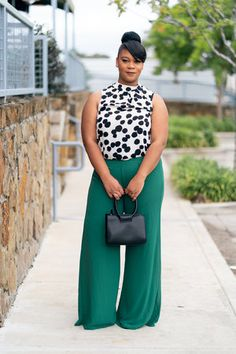 Green trousers and polka dots for curvy women — natalie greagor Big Girl Fashion, Black Women Fashion, Curvy Fashion, Plus Size Fashion, Womens Fashion, Fashion Trends, Fashion Fall, Fashion 2018, Cheap Fashion