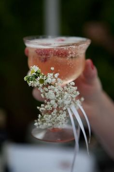 Lovely touch for bride and groom toast