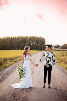 Bröllop Sibbo   BRÖLLOP Wedding Dresses, Photography, Fashion, Bride Dresses, Moda, Bridal Gowns, Photograph, Fashion Styles, Weeding Dresses