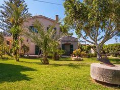 Villa Cesare  #Villa am #Meer mit Garten nur 700 m vom #Strand entfernt nahe #Cefalù http://ferienhaussizilien.de/sizilien/ferienhaus/villa-cesare #Villa in #Sizilien am #Meer nur 700 m vom #Strand entfernt. Ruhige Lage in einem Orangen- und Zitronenhain bei #Cefalù ideal für einen Urlaub in Sizilien.