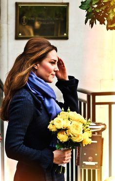 Kate leaving the hospital after being admitted for hyperemis gravidarum, very serious morning sickness.