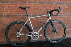 NAHBS 2015: Moots Takes to Dirt with Prototype Dirt Road Build, Shows New Finish Option with Pedaler's Fork Build