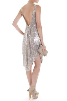 I only like this cause it reminds me of the sparkly dress Ariel wore in the little mermaid!!