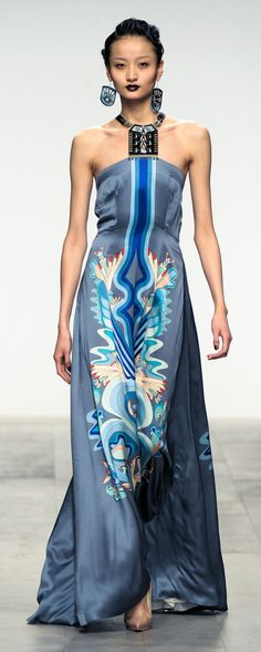 Holly Fulton — A/W 2011.  runway.  women's fashion and gowns.  dresses.  printed dress.
