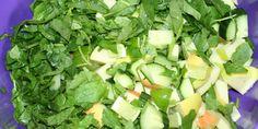 Grøn juice Celery, Vegetables, Drinks, Food, Spinach, Drinking, Meal, Veggies, Essen