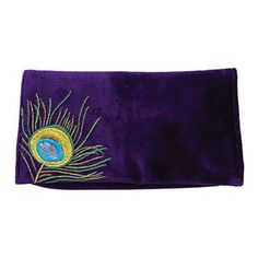 The clutch is in vogue, so you will love our elegant new season's design in luxe velvet. Music Images, Peacocks, Clutch Bag, Feather, Sequins, Vogue, Velvet, Elegant, My Style