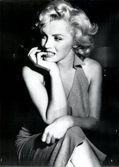 La notte mi vesto di Chanel numero 5.  Marilyn Monroe