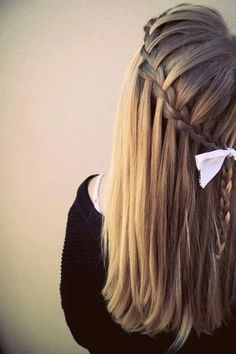 cheerleader hairstyle