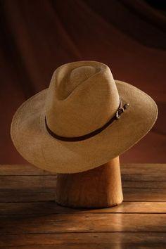 Sombrero Panamá Fedora Tabaco Ala Ancha 6 Hebras Fabricado a mano con palma  toquilla en la ciudad de Montecisti Ecuador para Dama y Caballero 676974696b1