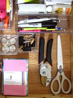 Organization Tip of the Day: Clean Up Your Junk Drawer Acrylic Containers, Office Organization, Organizing Life, Organising, Organizing Ideas, Tip Of The Day, Neat And Tidy, Junk Drawer, Clean Up