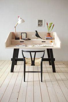 Bom tarde queridos! Vamos falar de home offices...não aqueles cheios de glamour, mas alguns criativos que garimpei e que for...