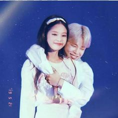 Jenmin Jennie & Jimin jimin Jennie and Jimin Jungkook Fanart, Bts Jungkook, Editing Pictures, Bts Pictures, Anime Girl Brown Hair, Baby Girl Wallpaper, Bts Girl, Foto Jimin, Kpop Couples