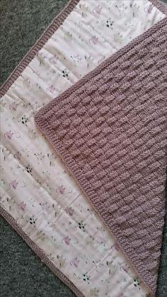 Babydeken met voedsel in mandpatroon www. Baby Knitting Patterns Yarn Baby blanket with food in basket pattern www. Baby Knitting Patterns, Crochet Blanket Patterns, Baby Blanket Crochet, Baby Patterns, Crochet Baby, Double Crochet, Knitted Baby Blankets, How To Start Knitting, Crochet For Boys