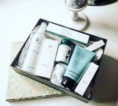 Nu Skin Beauty Box, want to try all of our favorites well this is a way to do it Beauty Box, My Beauty, Beauty Secrets, Beauty Skin, Health And Beauty, Beauty Hacks, Hair Beauty, Natural Beauty, Green Tea Capsules