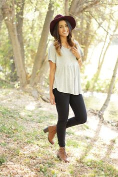 Auteur Ariel looking adorable in our peplum top. http://www.swell.com/SWELL-Exclusives/SWELL-PEPPY-SS-PEPLUM-TOP?cs=HG&utm_source=blog&utm_medium=Auteur%20Ariel&utm_content=peplum%20top&utm_campaign=September%202014