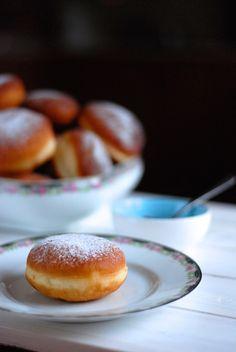 Masopustní koblihy - recept, který zvládnete napoprvé Beignets, Churros, Doughnuts, Hamburger, Foodies, Food And Drink, Recipes, Buns, Breads