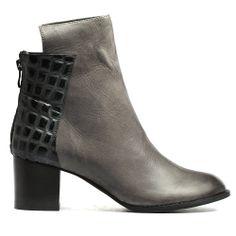 SEXTA | Cinori Shoes #djangojuliette #cinori #cinorishoes #blockheel #boots #ankleboots #booties #charcoal