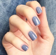 Nice nail colour | www.ScarlettAvery.com