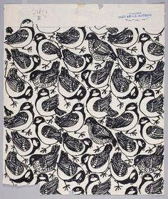 """""""Sparv"""" av Viola Gråsten, 1957. Skiss till mönster med olika fåglar. Rapportruta. Stämpel: Borås Wäfveri."""