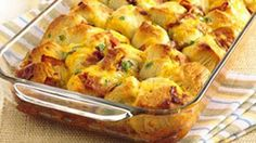 Every bite of this pull-apart is filled with the breakfast flavors of bacon, egg and Cheddar cheese. 8 servings