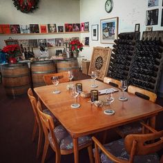 Private Tasting for Six we got you covered this holiday while listening to the best vinyl has to offer. Cheers! ...oh and you are always welcomed to bring a record or two with you #nabuwines #malibucoast #privatetastings #westlakevillage #33rpm #vinyl #nowspinning #uturnaudio #vynl #getvynl by nabuwines