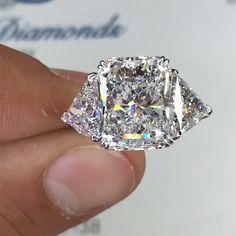 Emerald Stone Rings, Unique Diamond Rings, Diamond Wedding Rings, Cute Engagement Rings, Handmade Engagement Rings, Jewelry Rings, Jewelery, Heart Shaped Diamond Ring, Fashion Rings